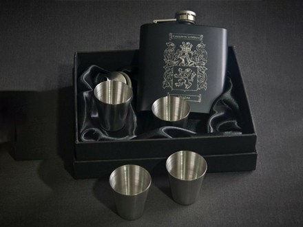 Black Hipflask with Tumblers